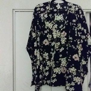 Torrid floral top with zipper detail! Beautiful!!!